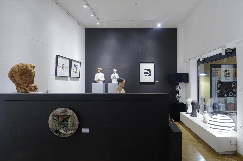 Interno della galleria Sgallari Arte a Bologna